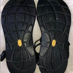 Chacos black 9
